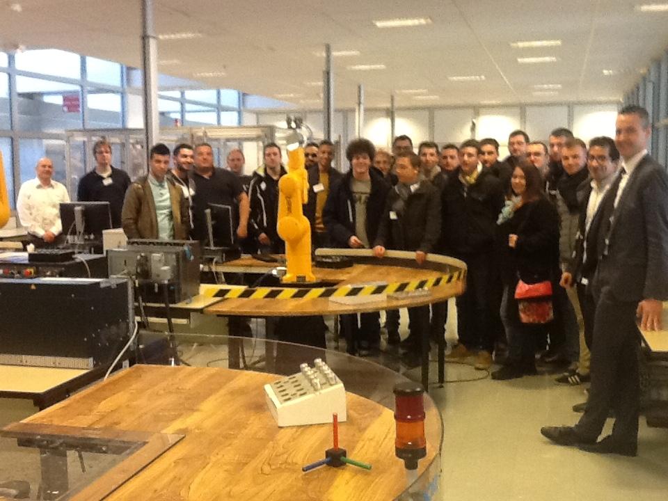 les étudiants de la promotion LP ARIA 2015-2016 à l'entreprise  Staübli à Faverges